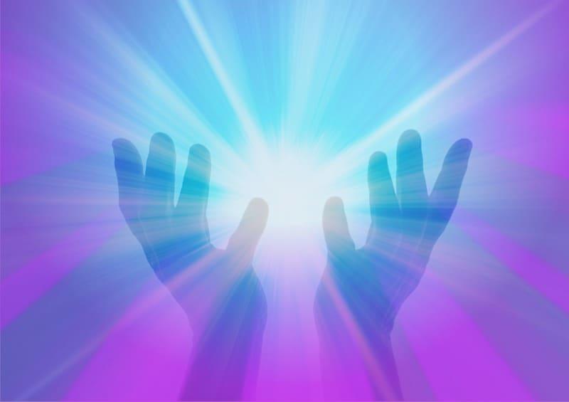 violette vlam healing met handoplegging